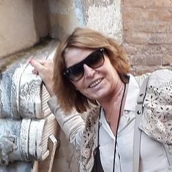 Elena Tvarovskaia is a tour guide for Rome (Italy)