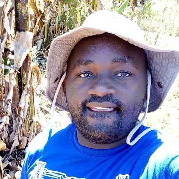 Peter Mwangi is a local tour guide for Nairobi (Kenya)